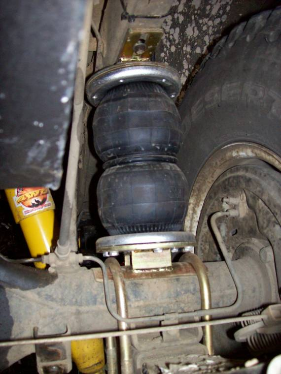 Air Bag Suspension Fitted To Toyota LCR 75 Series